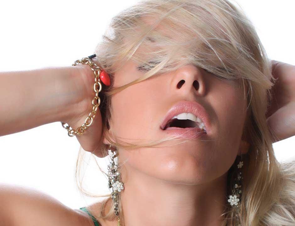 Ein wahrer Männertraum ist eine Frau die beim Solosex gefilmt wird